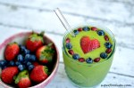 Green-smoothie-with-heart