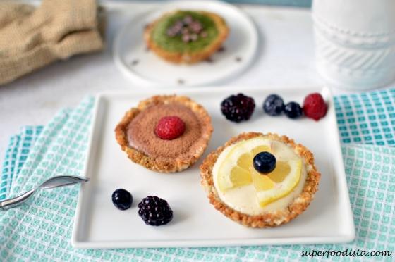 Coconut-Tartelettes-on-plates